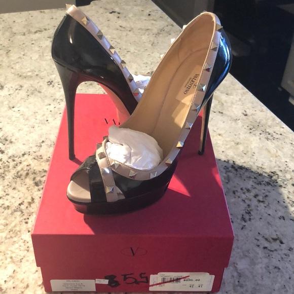 Valentino Shoes - Valentino Rockstud Pump
